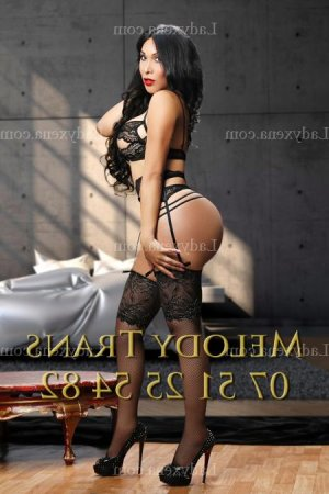 Domenica massage tantrique rencontre libertine tescort à Brunoy